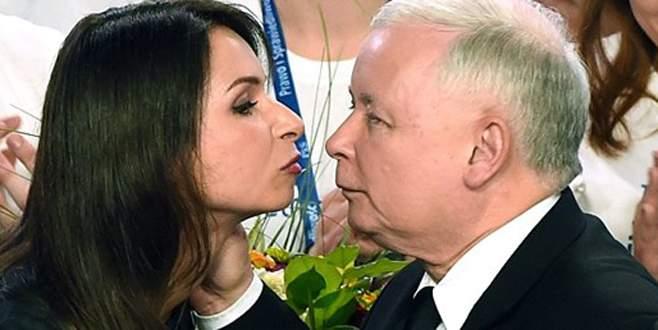 'Amca'ya zafer öpücüğü
