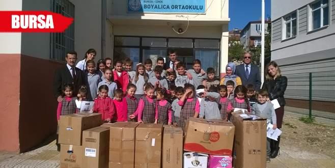 Boyalıcalı öğrencilerden köy okuluna yardım