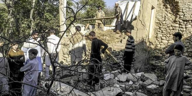 Afganistan ve Pakistan'da can kaybı artıyor