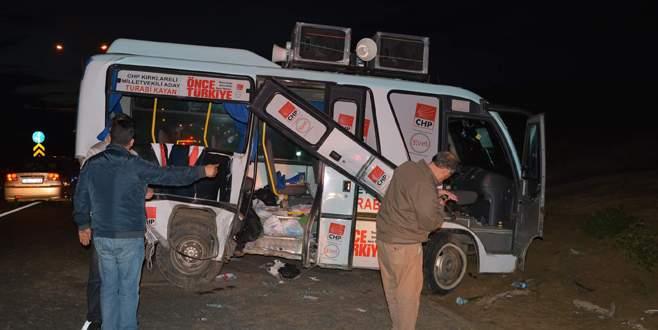 CHP'li kadınları taşıyan minibüs kaza yaptı: 19 yaralı