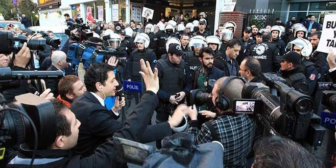 Koza İpek Holding önünde gerginlik