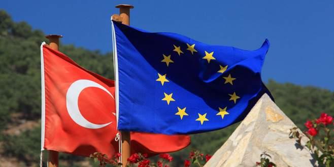 AB'nin 'ertelediği' Türkiye raporu