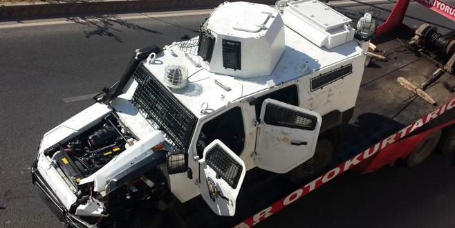 Zırhlı araç devrildi: 8 polis yaralı