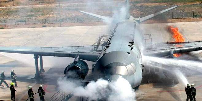 Yolcu uçağında yangın dehşeti
