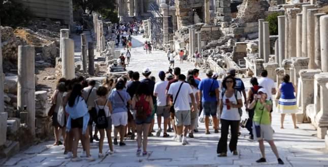 Turizm gelirleri yüzde 4,4 azaldı