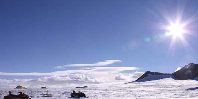 Ozon deliği rekor seviyede büyüdü