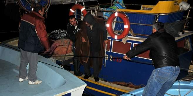 Kaçakları taşıyan 3 bot battı: 3'ü çocuk 4 kişi öldü