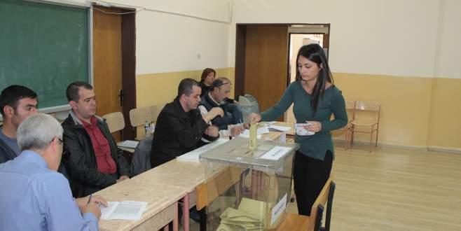 Bursa'da oy verme işlemi başladı