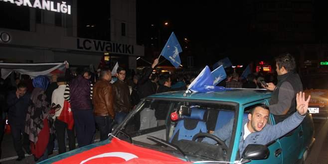 Bursa sokakları bayram yerine döndü