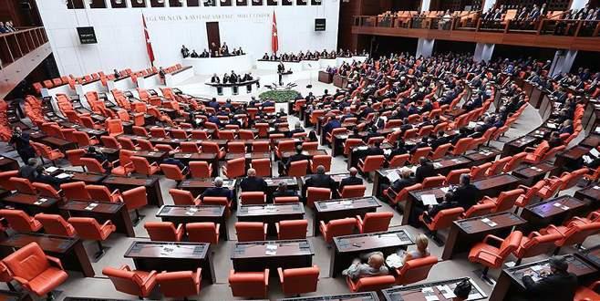 Bazı milletvekilleri Meclis'e veda etti