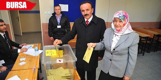 Eşiyle birlikte oy kullandığı sandıktan 1 oy çıktı