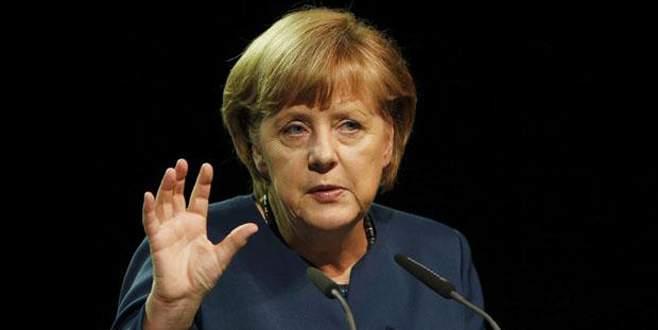 Merkel'den 'tebrik' telefonu