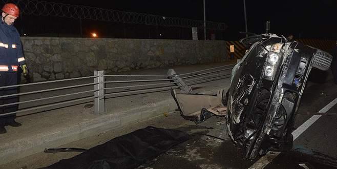 Virajı alamayan araç kaza yaptı: 2 ölü