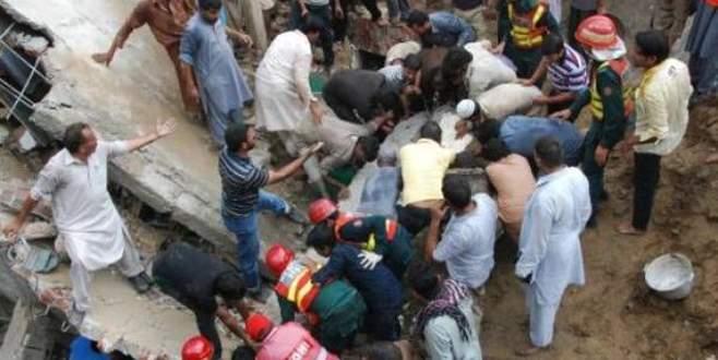 Fabrika binası çöktü: 15 ölü, 100 kişi enkaz altında!
