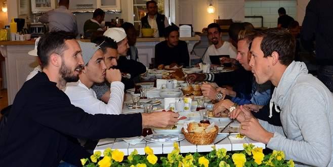 Bursasporlu futbolcular kahvaltıda buluştu