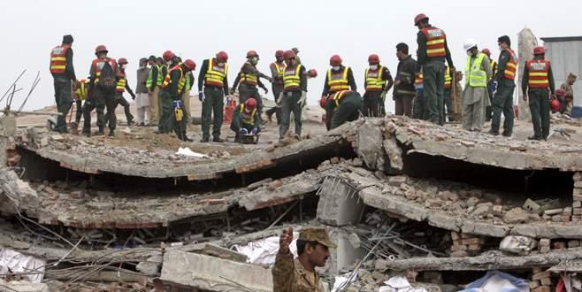 Fabrika çöktü: 20 ölü