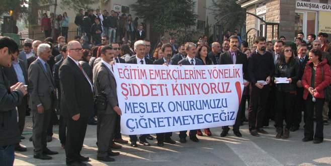 Öğretmene saldırı protesto edildi