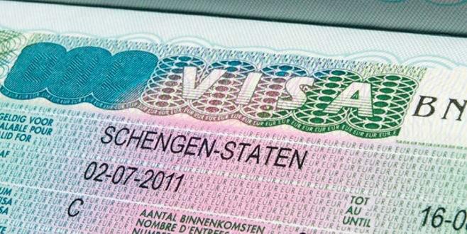Fransa Schengen'i geçici olarak askıya alıyor