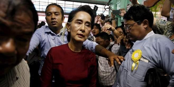 Myanmar'da 'ilk özgür' seçim