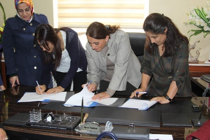 Başkale Belediyesinden Kadın Kooperatifine Destek