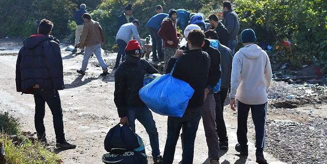 İspanya ilk sığınmacı grubunu ülkeye getirdi