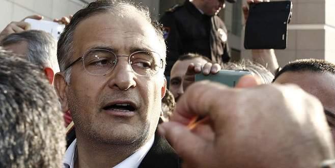 Yakalama kararı bulunan Dumanlı'ya ulaşılamıyor