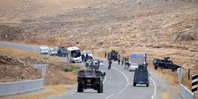 Polis aracına bombalı saldırı: 1 kişi öldü, 1 polis yaralandı
