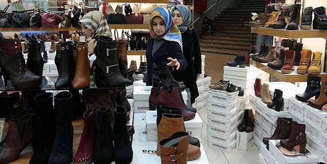 Kış sezonu ayakkabıda pahalı açıldı