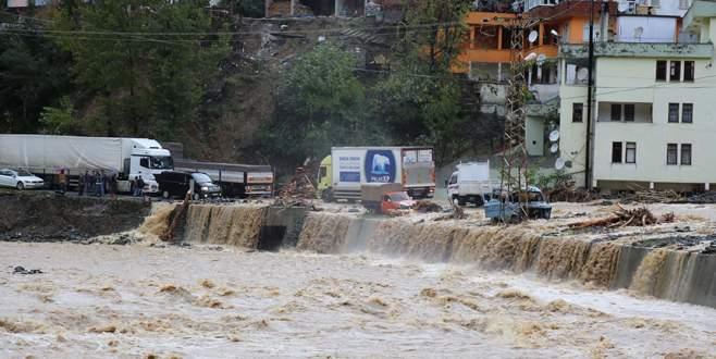 Artvin'de aşırı yağışlar: 2 ölü