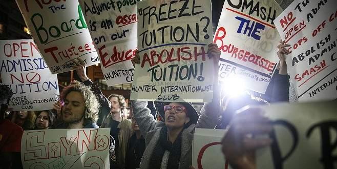 ABD'de öğrenciler harçların kaldırılması için yürüdü