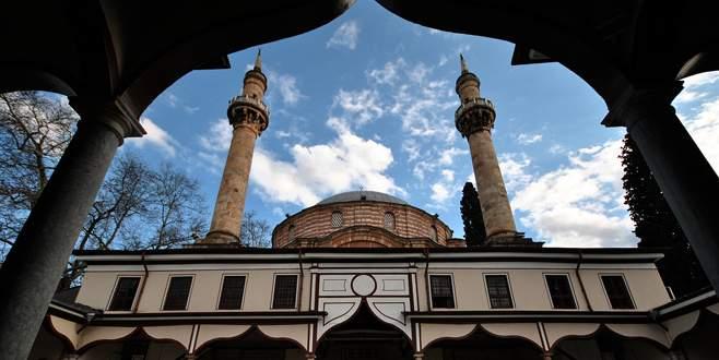 Emirsultan Camii'nde hayırseverler için mevlit