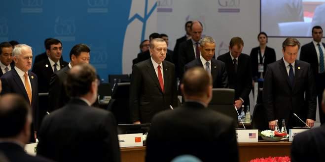 G20 Liderler Zirvesi'nde Fransa için saygı duruşu