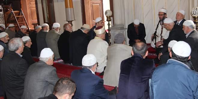 Emir Sultan'da anlamlı mevlid