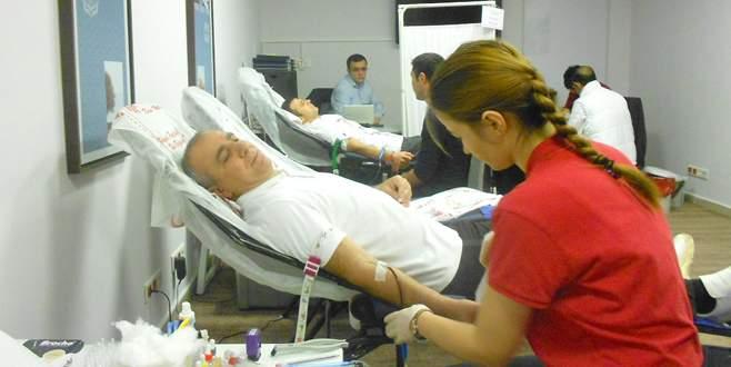 Hilton personelinden kan bağışı