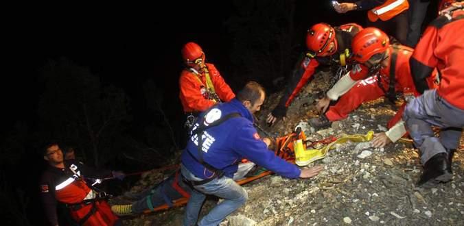 Bir aile uçuruma yuvarlandı: 3 ölü, 2 yaralı
