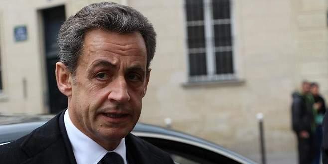 Sarkozy'den saldırı sonrası şüpheliler için öneri