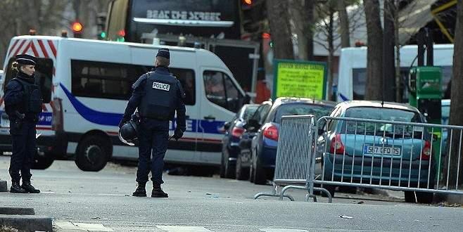 Paris'teki saldırılar sonrası 3 gözaltı