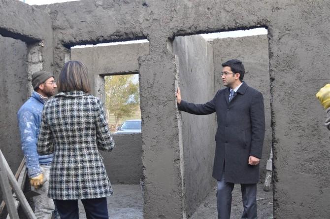 Arpaçay'da Yardıma Muhtaç Vatandaşlar Yeni Evlerine Kavuşuyor