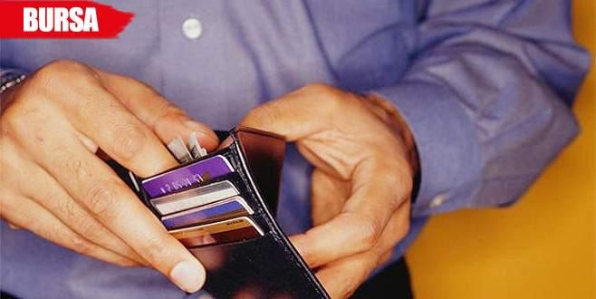 Kredi kartı borcunu ödemek isterken 28 bin lira kaptırdı