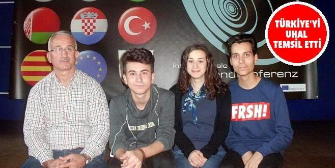 Bursalı öğrenciler Avrupa'ya renk kattı