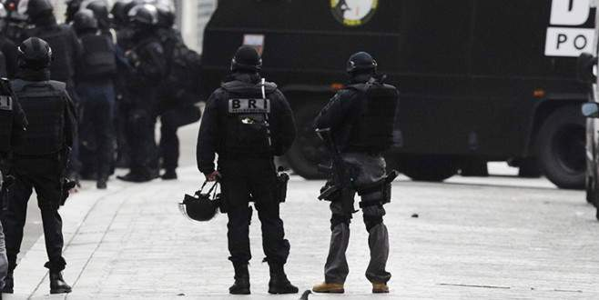 Paris operasyonunda üçüncü bir terörist daha öldü