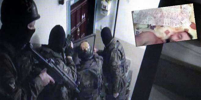 Çaldıkları parayla selfi çektiren çete yakalandı