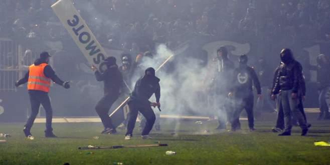 Yunanistan'da olaylar çıktı, derbi ertelendi