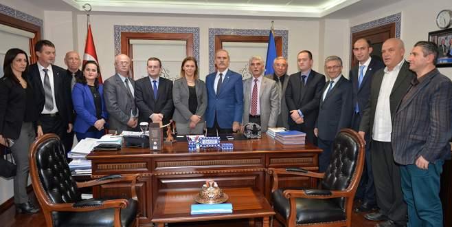 BUSMEK mezunlarına Kosova'dan açık çek