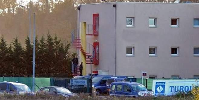 Fransa'da Türklere ait otele baskın