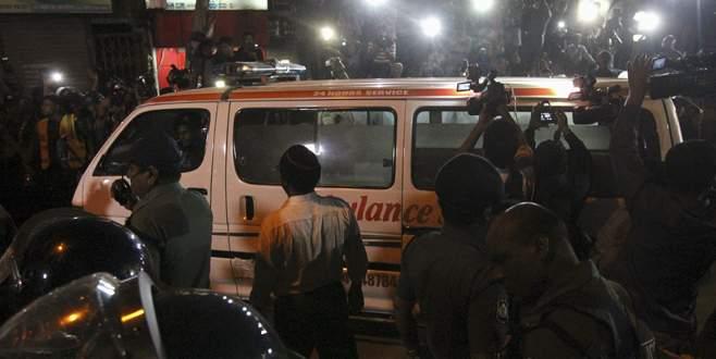 Bangladeş'te iki siyasiye idam
