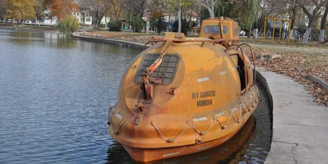 İznik Gölü'ndeki bazilikaya 'mini denizaltı' ile inceleme