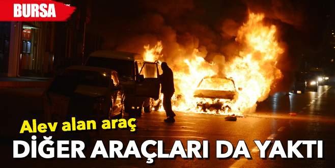 Alev alan araç diğer araçları da yaktı