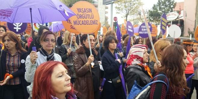 Nilüfer'de kadınlar şiddete karşı yürüdü