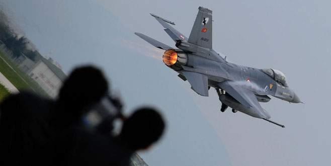Savaş uçakları 'acil' koduyla havalandı